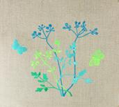 haft, haft artystyczny, haft komputerowy, haft maszynowy, prezent, dekoracja, ornament, fantazyjne, serwetka, juta, natura, rośliny, kwiaty, kwiaty polne, koperek ozdobny, motyle, niebieski, zielony, turkusowy, seledynowy